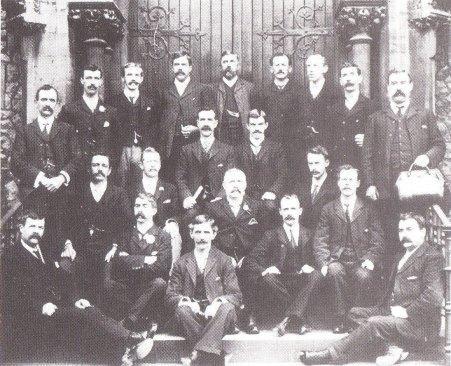 IMGCor dynion 1900