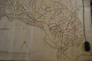 Aberogwen yn 1768 - manylyn o Fap Arolwg y Penrhyn 1768 gan George Leigh. Drwy garedigrwydd a chaniatâd Archifau a Chasgliadau Arbennig, Prifysgol Bangor